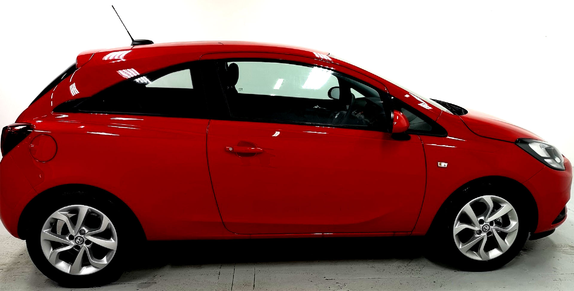 red opel corsa
